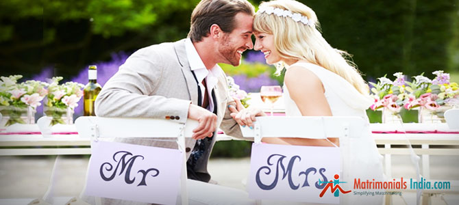 how to change maiden name after marriage